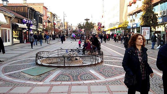 Saraçlar Caddesi