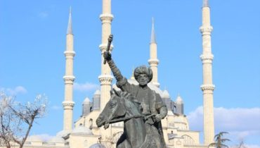Fatih Sultan Mehmet Heykeli Edirne